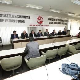 Sindikalisti razjedinjeni: Državni službenici KS poručili rukovodstvu SSSBiH da su nekompetentni