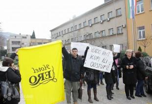 Mostar: Radnici blokirali M-17
